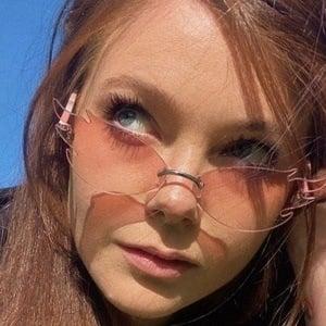 Hannah Snow 2 of 4