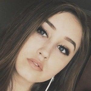 Hannah Stone 4 of 7