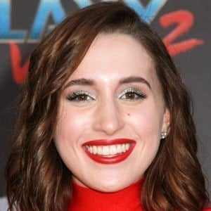 Harley Quinn Smith 7 of 8