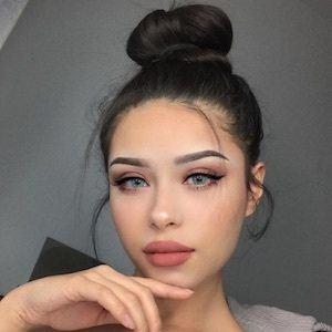 Hayley Bui 5 of 10