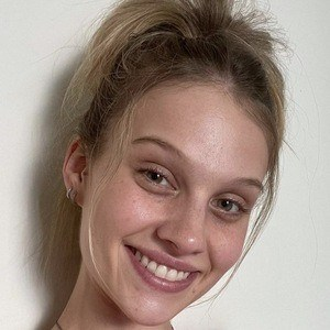 Hazel Graye Headshot 2 of 10