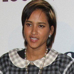 Helen Lasichanh - Bio, Facts, Family | Famous Birthdays