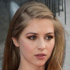 Hermione Corfield 3 of 4
