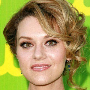Hilarie Burton 3 of 10