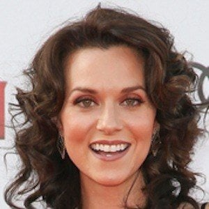Hilarie Burton 6 of 10