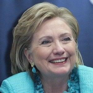 Hillary Clinton 4 of 10