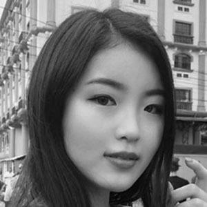 Hina Yoshihara 3 of 5