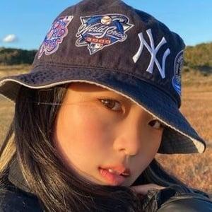 Hina Yoshihara 6 of 10