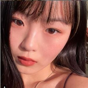 Hina Yoshihara 8 of 10
