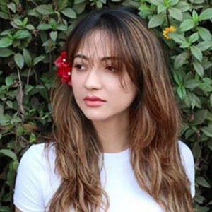 Hira Ashar 4 of 6