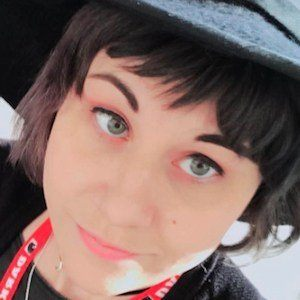 Holly Conrad 4 of 10