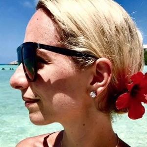 Holly Nichols 6 of 6