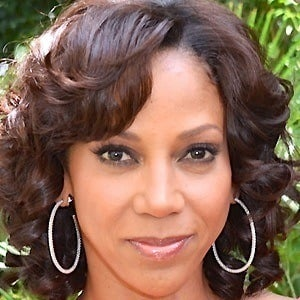 Holly Robinson Peete 4 of 6
