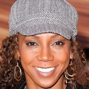 Holly Robinson Peete 5 of 6