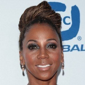 Holly Robinson Peete 6 of 6