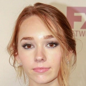 Holly Taylor 6 of 10