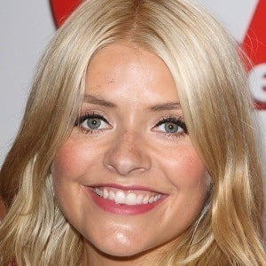 Holly Willoughby 5 of 10