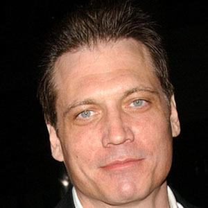 Holt McCallany 3 of 5