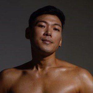 Hugh Gwon 2 of 4