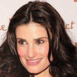 Idina Menzel 4 of 10