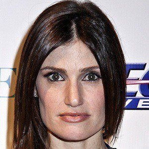 Idina Menzel 5 of 10