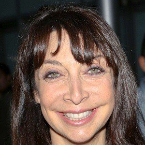 Illeana Douglas 2 of 9