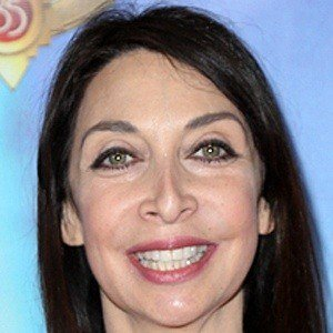 Illeana Douglas 5 of 9