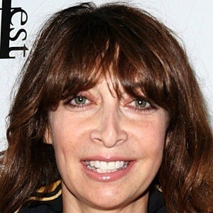 Illeana Douglas 7 of 9