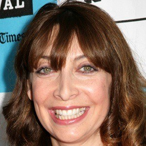 Illeana Douglas 8 of 9