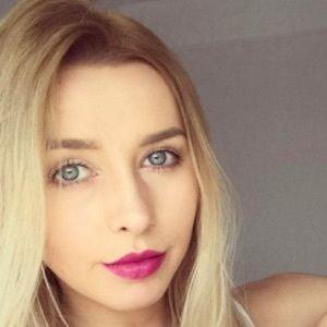 Ilona Krawczynskie 2 of 10