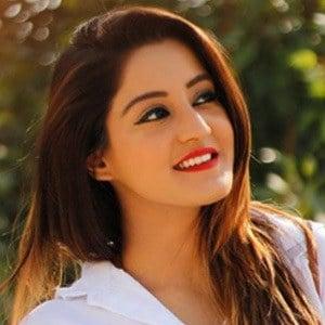 Insha Ghai 3 of 6