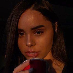 Iris Kalani 4 of 10