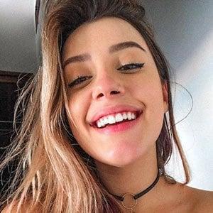 Isa Guerra 3 of 5