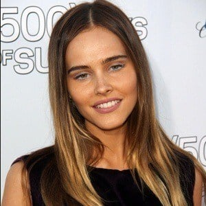 Isabel Lucas 7 of 9