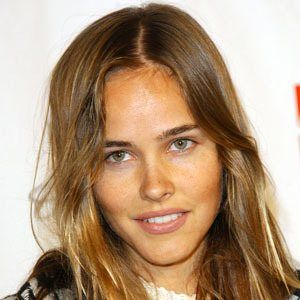 Isabel Lucas 8 of 9