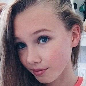 Isabel Meacham 7 of 7