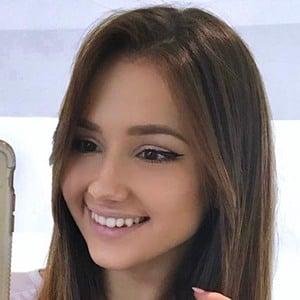 Isabela Fernandez 6 of 6