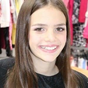 Isabela Soares 6 of 6
