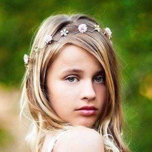 Isabella Cuda 2 of 5