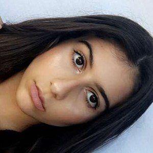 Isabella Diakomanolis 5 of 7
