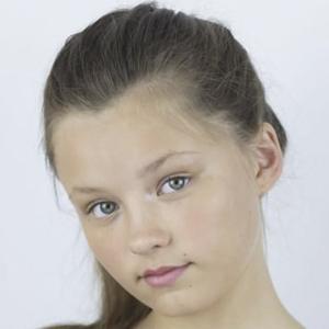 Isabella Tena Headshot 9 of 10