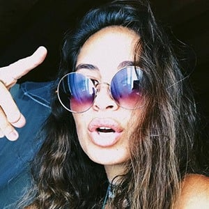 Isadora Sofia Figueroa 3 of 5