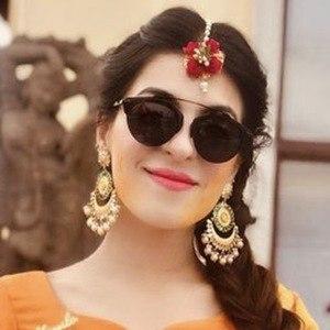 Isha Virmani 2 of 6