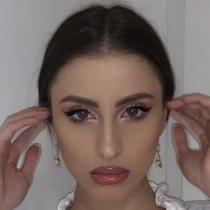 Iuliana Doroftei 2 of 6