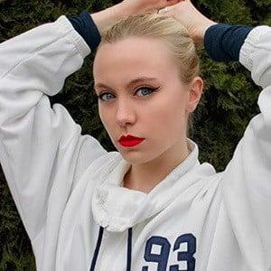 Ivana Lombardini 7 of 7