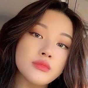 Ivy Li 4 of 7