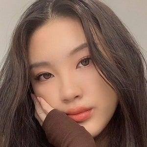 Ivy Li 6 of 7