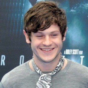 Iwan Rheon 5 of 7