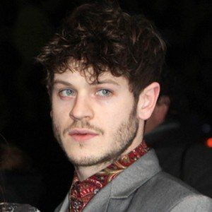 Iwan Rheon 7 of 7