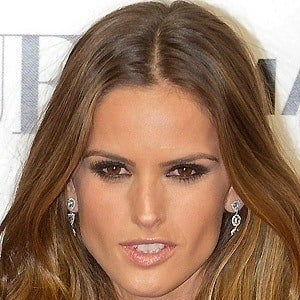 Izabel Goulart 3 of 7